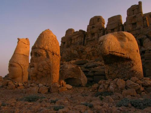 Nemrut Statues